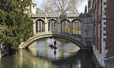 files/images/A-bridge-at-Cambridge-uni-009.jpg