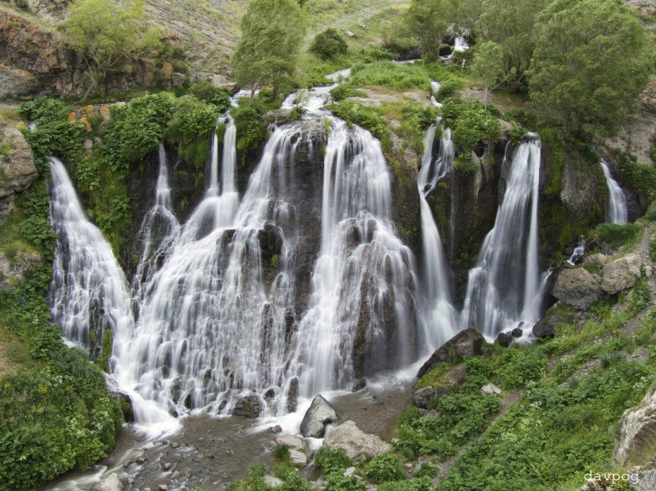 files/images/Shaki_waterfall.jpg