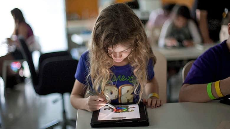 files/images/hi-tablet-classroom-03042335-8col.jpg