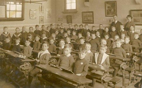 Victorian Schoolchildren